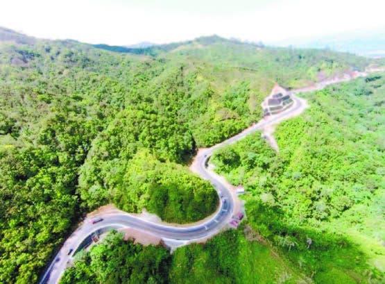 Vista de la carretera que atraviesa San José de Ocoa