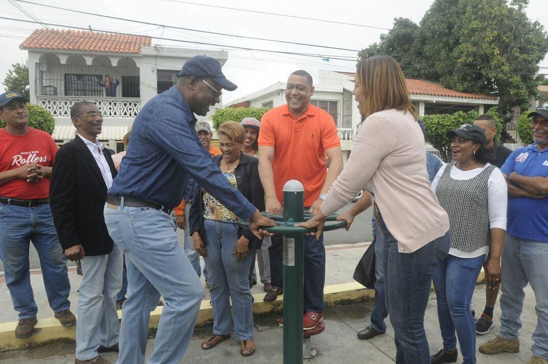 Realiza jornada comunitaria en Los Mina