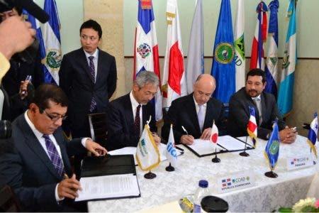 Ministro Costa Rica plantea países de región ayuden Haití