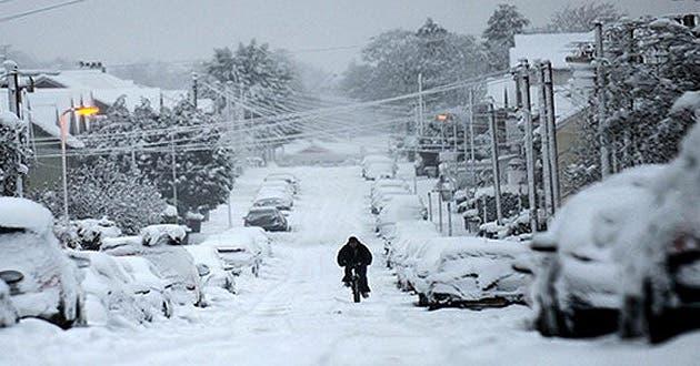 Fotos: Intensas nevadas causan trastornos en Europa; hay más de 20 muertos