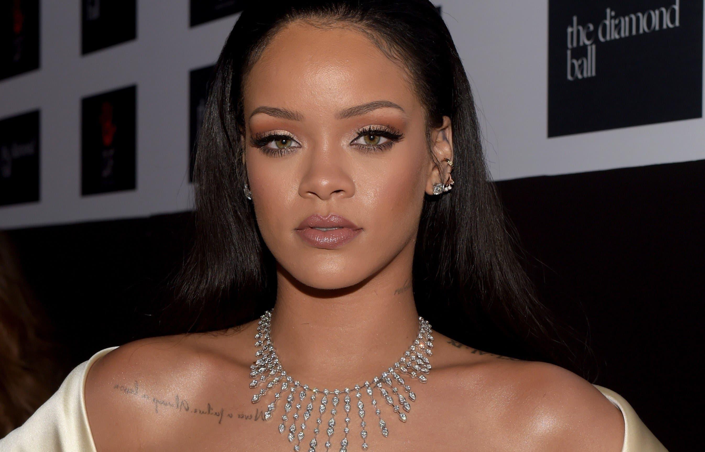 Rihanna arremete contra Snapchat por trivializar la violencia machista