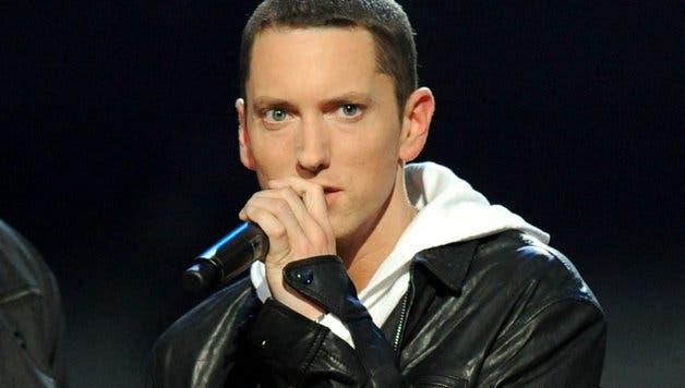 Eminem arremete contra la asociación del rifle de EEUU