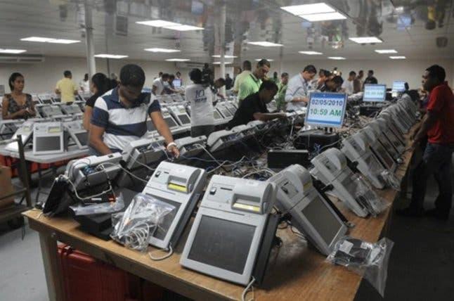 Exigen miembros de la JCE definan si habrá sometimiento por equipos de las elecciones del 2016
