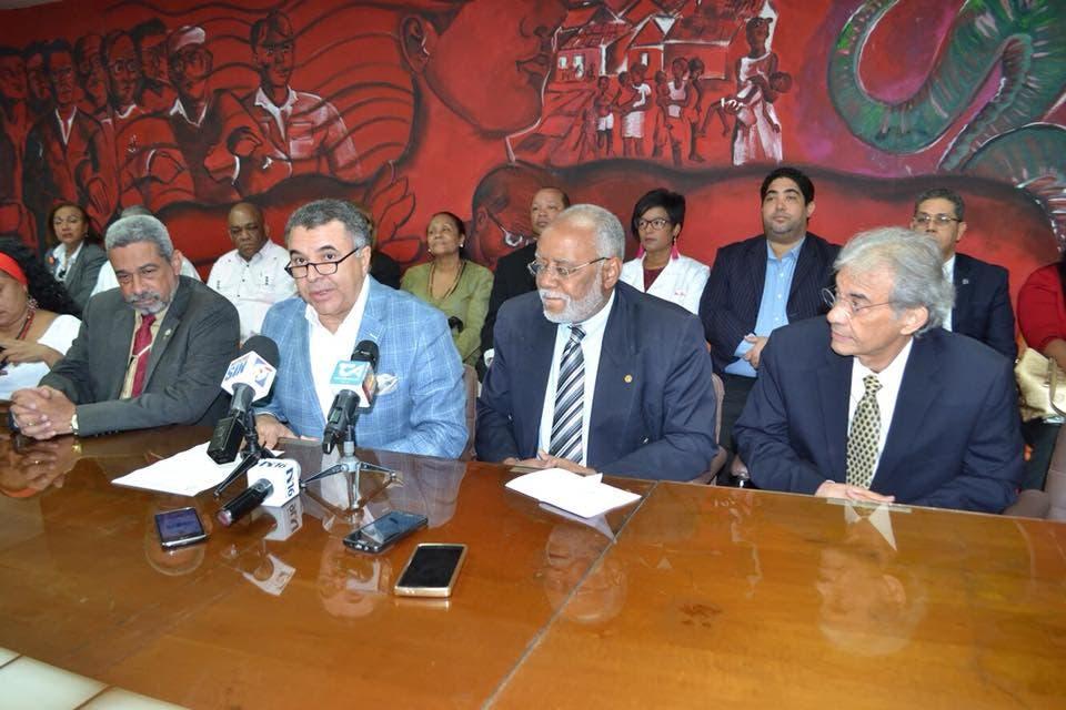 CMD y otras asociaciones médicas exigen la libertad del doctor Julio Gómez