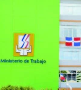 El Ministerio Trabajo norma la seguridad y  salud de empleados.