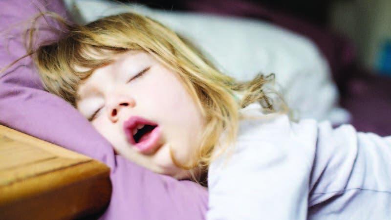 El especialista dice que normalmente los ronquidos no representan un problema de salud, sino social