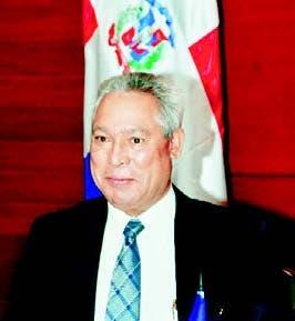 El ministro Isidoro Santana