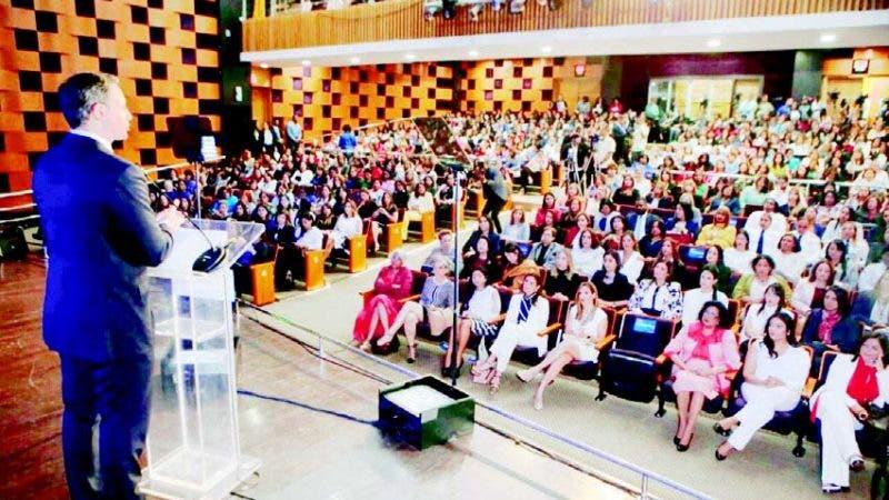 El procurador Jean Rodríguez resaltó logros alcanzados por mujeres dominicanas en ámbito laboral