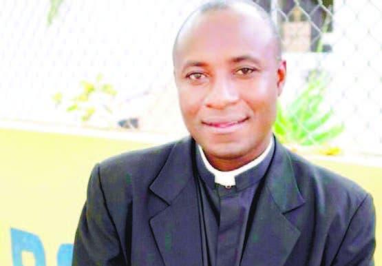 El sacerdote haitiano Fisner Vaillant