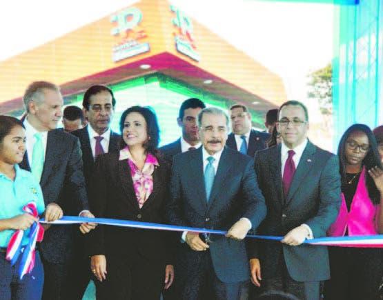 Inauguran edificio que albergará la República Digital Educación