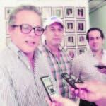 Enrique De Castro, Nicolás Reyes y Jahiro Cabrera.