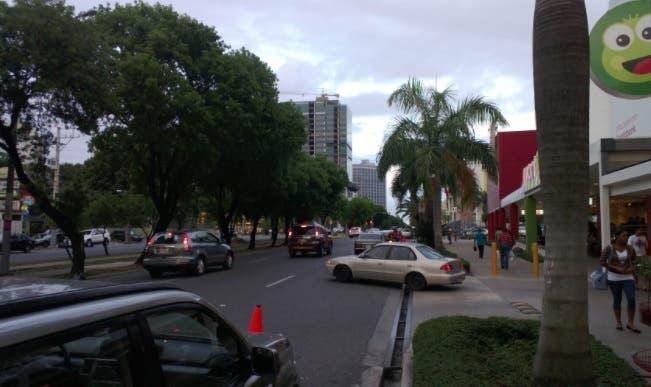 Residentes del ensanche Julieta se oponen a que ARS construya edificio comercial en zona residencial