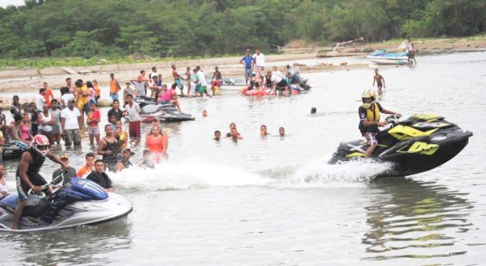 Turismo prohíbe uso de quipos de motor en playas durante Semana Santa