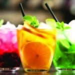 Estos cócteles son generalmente de colores brillantes y llamativos