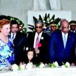 Familiares de Sánchez y autoridades rinde homenaje al prócer en el Altar de la Patria en su natalicio 20