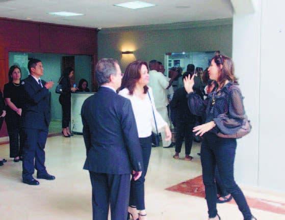 Diversas personalidades acuden a dar último adiós a Rafael Perelló