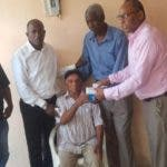 Makiley entrega medicina