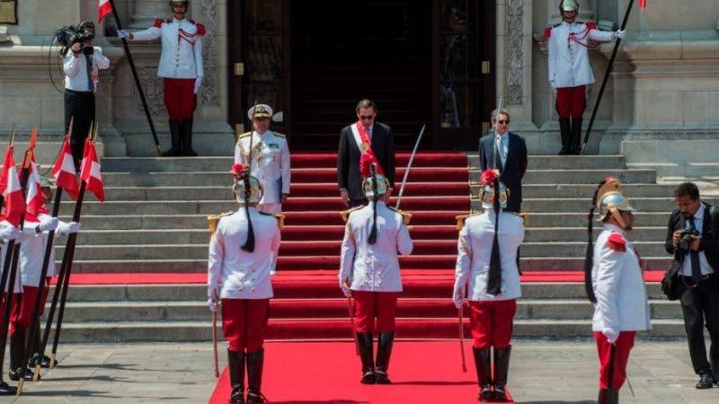 Vizcarra: 'Llegó el momento de decir basta' ante la corrupción en Perú