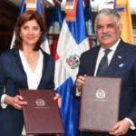 Cancilleres Miguel Vargas, de República Dominicana, y María Ángela Holguín, de Colombia/Foto: CancilleríaRD