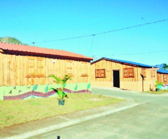 Fundación Rica colabora con 10 casas  en  Villa Poppy