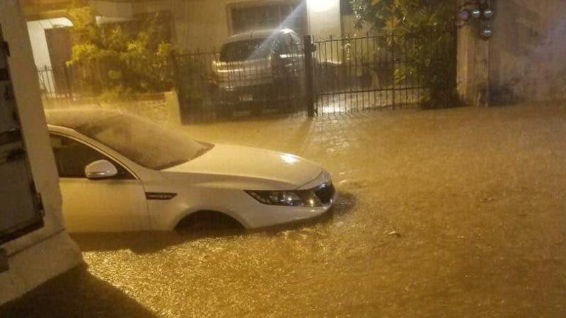 COE reporta 190 desplazados por lluvias y mantiene alerta para cuatro provincias