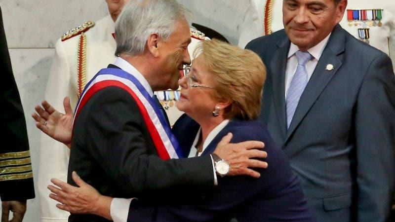 """""""El pueblo unido jamás será vencido"""", coreaba la multitud a la llegada de Bachelet/AP"""