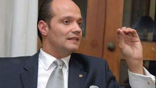 Gallup-Hoy: Mitad población rechaza nieto de Trujillo en política