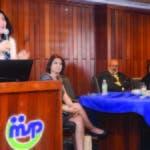 Sonia Vásquez, Lourdes Contreras y la doctora Lilian Fondeur, cuando presentaban el estudio en el MS