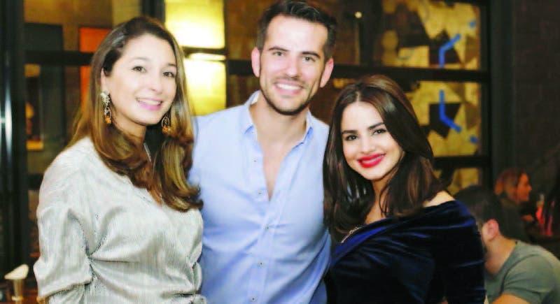 Stacey Subero, Carlos Matos y Chiara Viyella