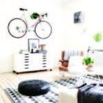 Una bicicleta en la pared atraerá la mirada de sus visitantes.