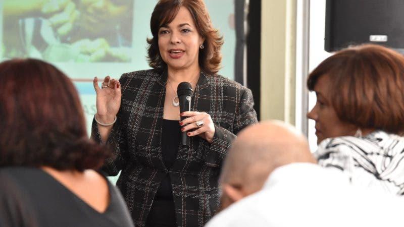 Yokasta Guzmán Santos participa en conferencia socias UNMUNDO