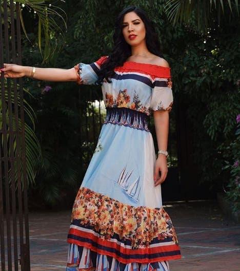 Yubelkis Peralta lista para conducir alfombra roja de los Premios Soberano