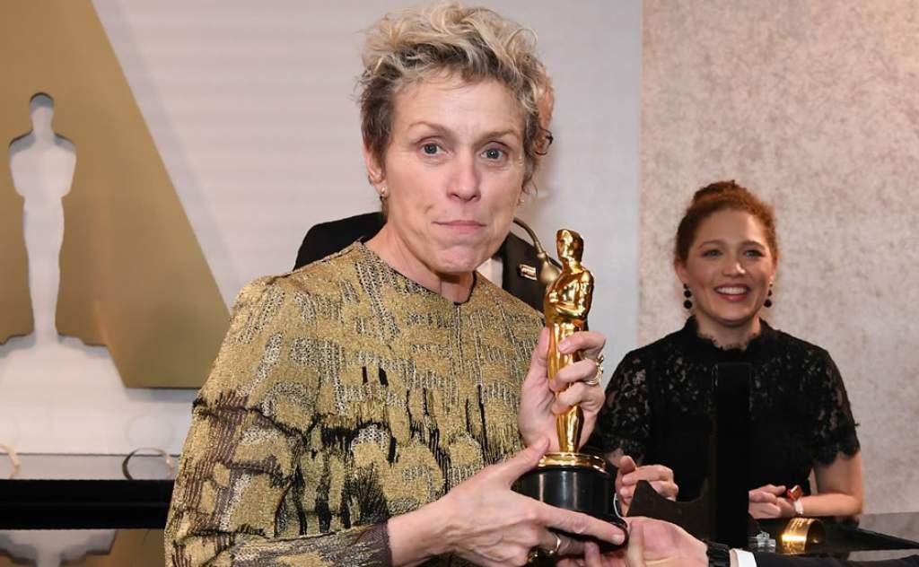 Detienen a hombre que robó el Óscar a McDormand y recuperan la estatuilla