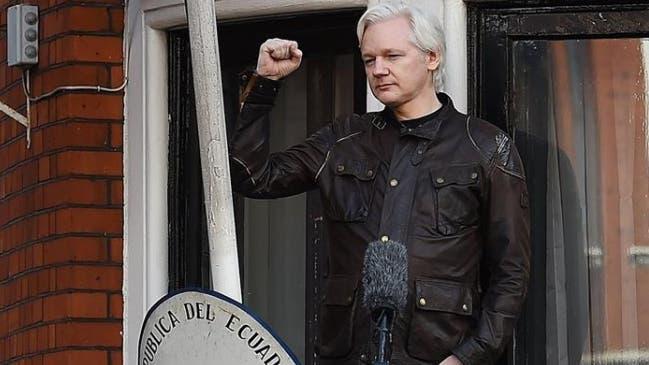 Ecuador aisla a Assange por hablar de Cataluña y de la expulsión de rusos