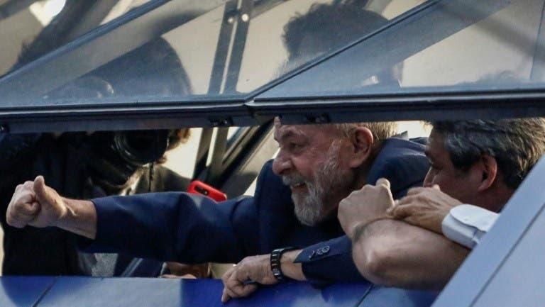 Lula participará en una misa antes de su posible entrega a la justicia