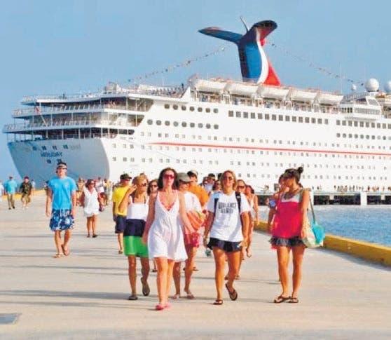 EEUU extiende condiciones de navegación en cruceros por COVID