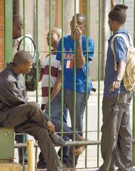 Genera polémica restricción de entrada haitianos en Chile