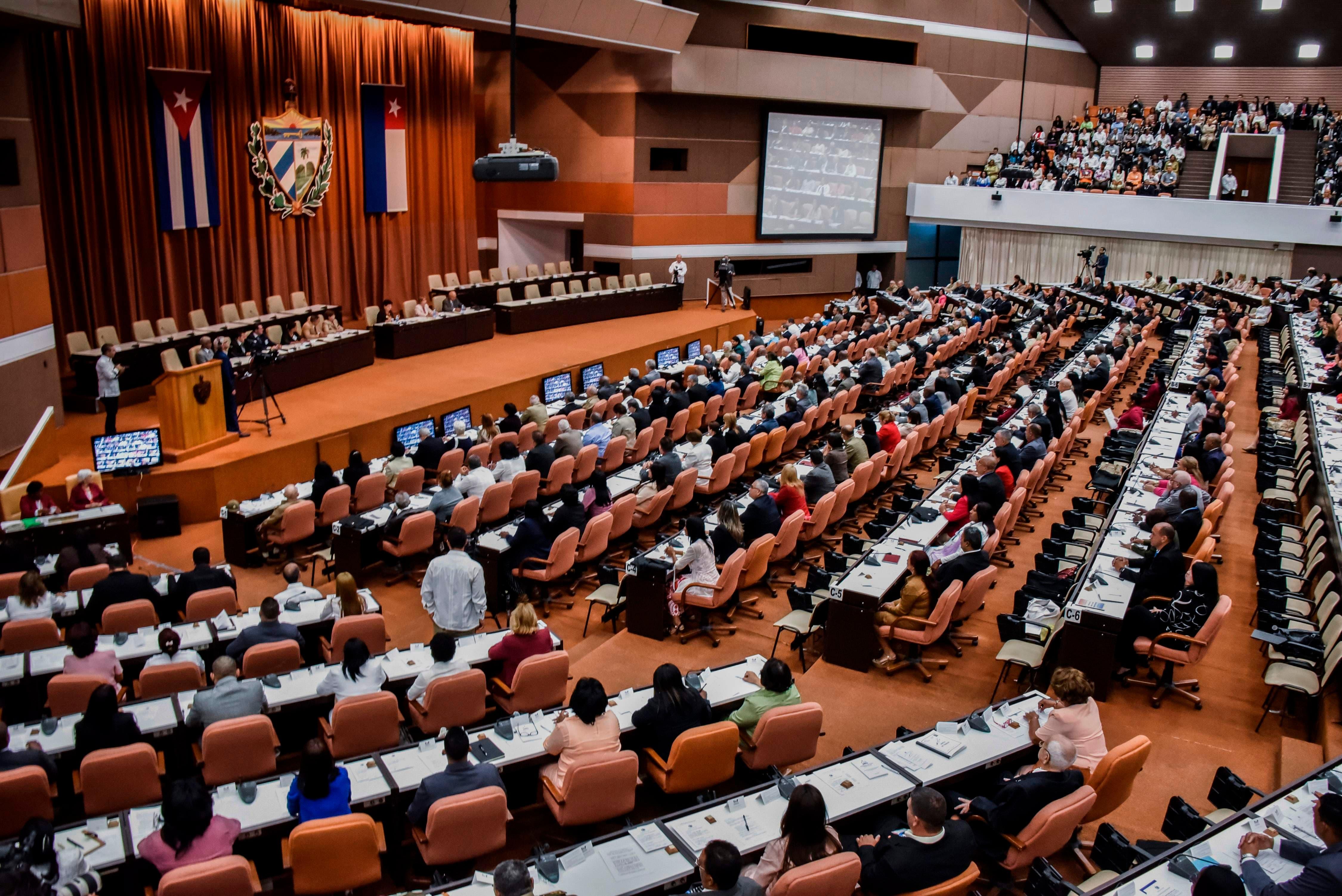 """#SomosContinuidad, el """"tuitazo»  lanzado por Parlamento durante sesión para eligir relevo de Raúl Castro"""