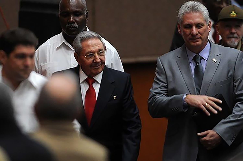 Miguel Díaz-Canel es elegido presidente de Cuba para reemplazar a Raúl Castro