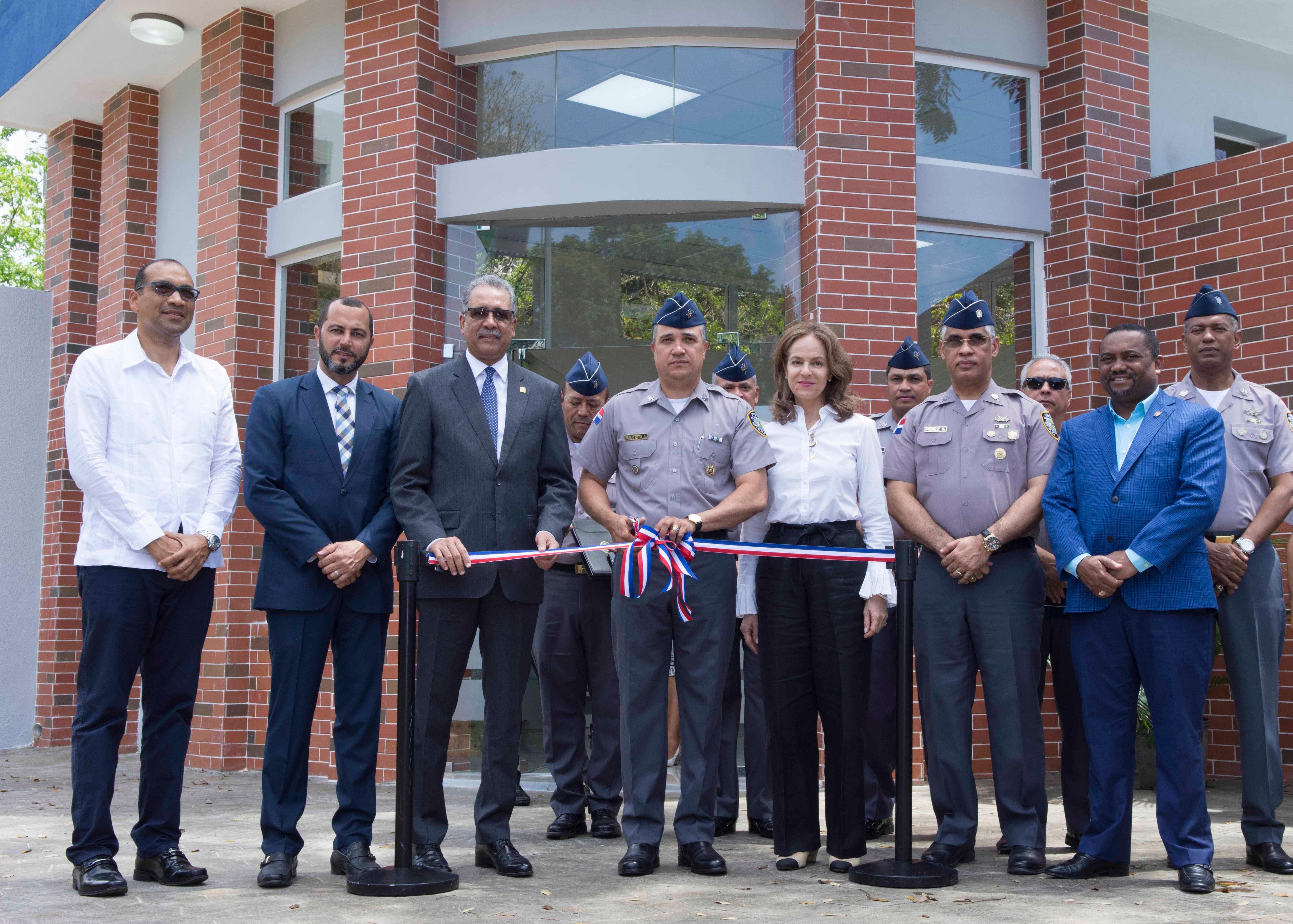 PN inaugura destacamento en Mirador Sur