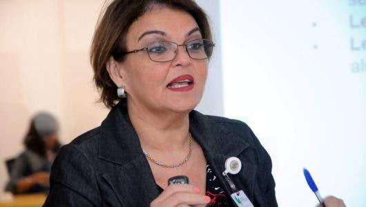 Yris Nelsi González, del Ministerio de Energía y Minas.