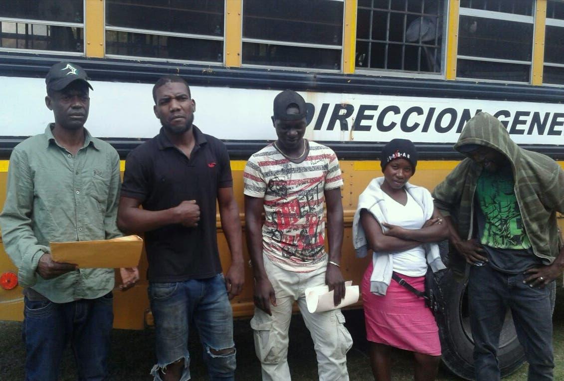 Migración detiene 260 extranjeros indocumentados  en San Pedro de Macorís