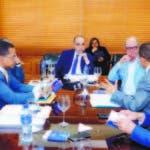 Miembros de la Comisión se reunieron ayer y apoyaron primarias