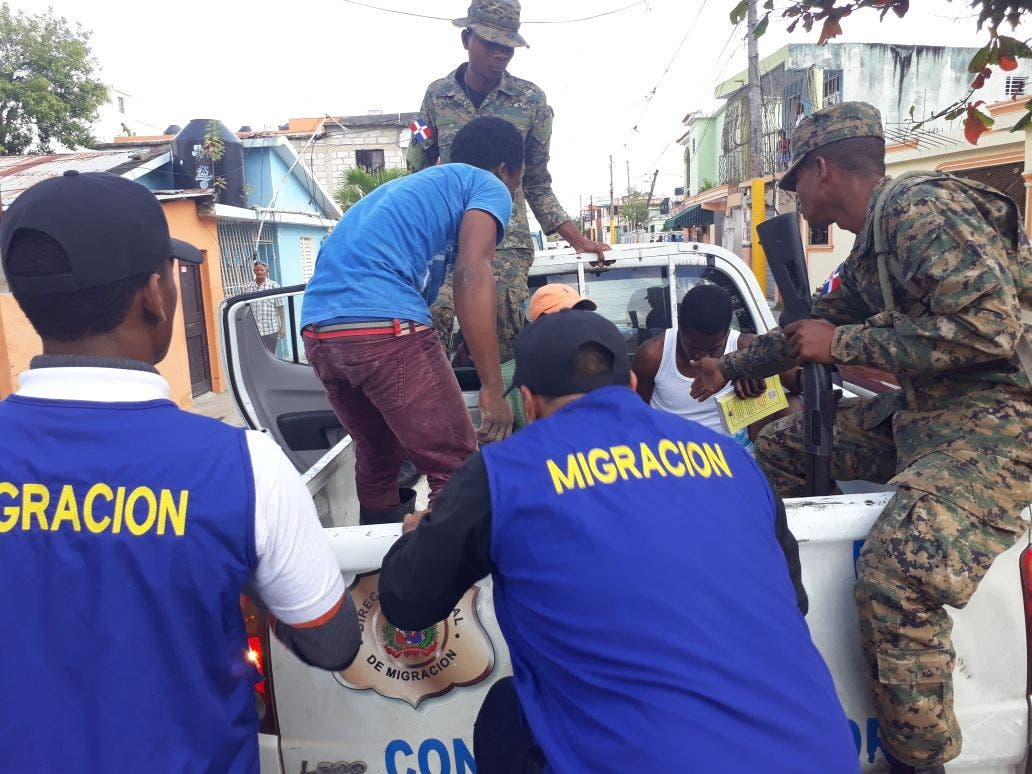 Migración detiene más de 800 extranjeros permanecían de manera ilegal