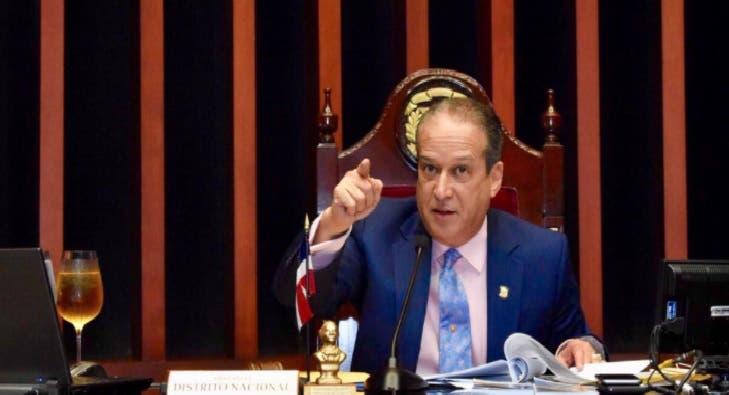 Reinaldo Pared advierte no retirará fuerzas militares frente al Congreso; dice no se arrepiente de medida