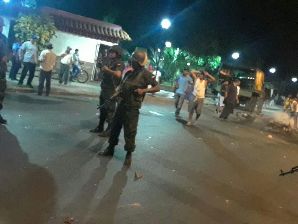 """Ortega amenaza a protestantes con usar """"medidas necesarias"""" para reestablecer la paz"""