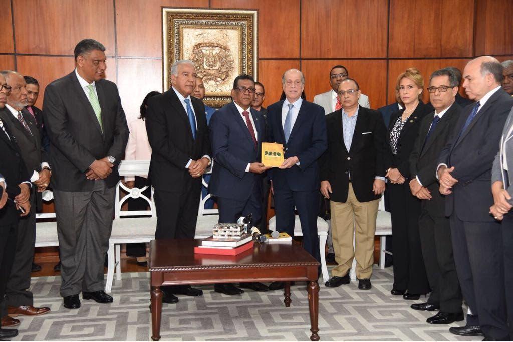 Bloque opositor rechaza primarias abiertas y simultáneas y pide se priorice ley electoral