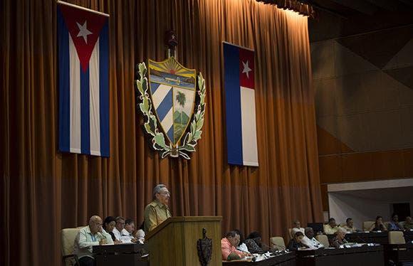 Inicia en Cuba sesión parlamentaria que elegirá reemplazo del presidente Raúl Castro