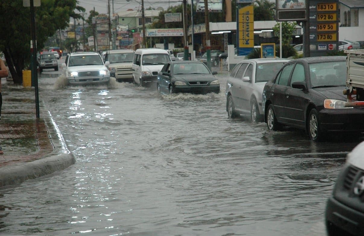 Más de 4 mil desplazados por las lluvias en el país