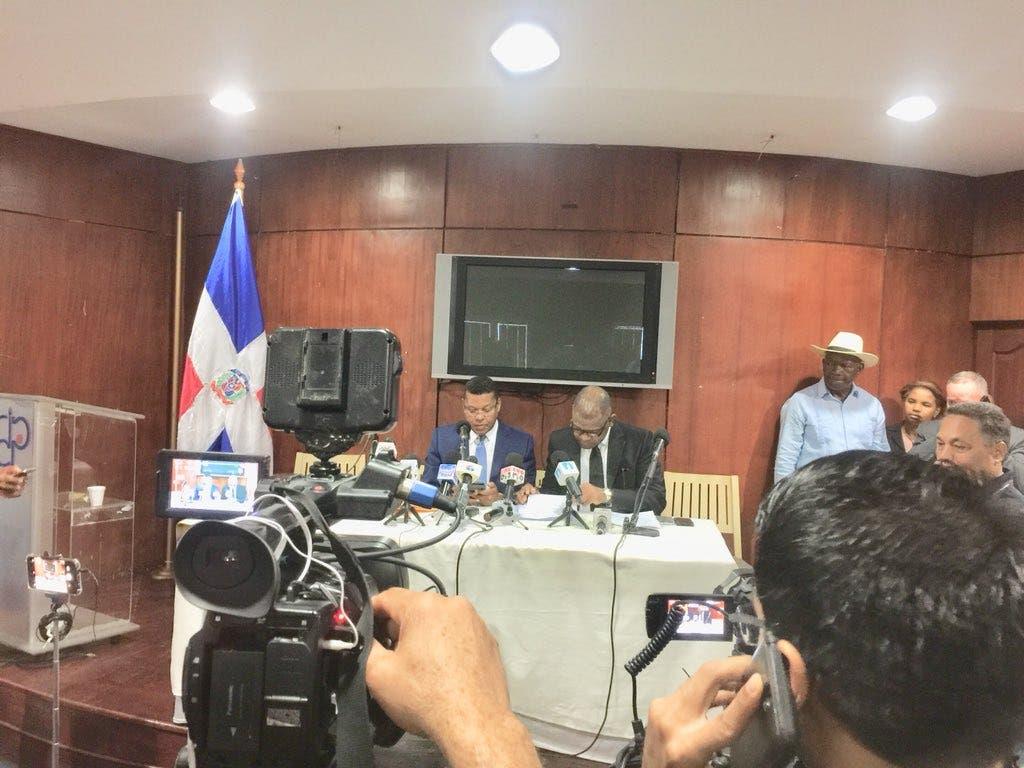 Julio Martínez Pozo y Danny Alcántara denuncian el Procurador los persigue, amenaza e intimida